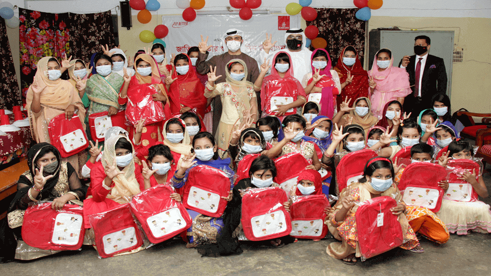 Emirates celebrates birthday of the Father of the Nation with orphans in Dhaka