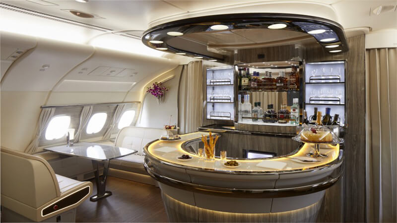 Emirates takes its newest A380 to London