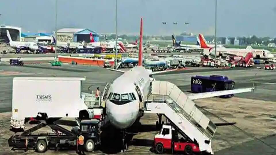 India international travel ban continues